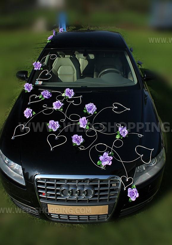 ... de fleurs roses, de la canne et des marguerites - voiture mariage